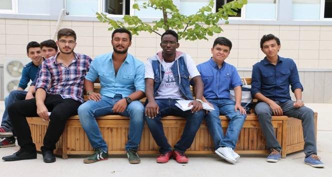 51 kişilik uluslararası öğrenci kontenjanına 6 bin 700 başvuru