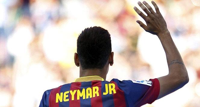 222 milyon Euro ödendi, Neymar Barcelonadan ayrıldı