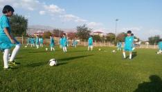 Erzincan Belediyesi yaz futbol okulu