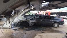 İl Özel İdaresinde çıkan yangında 4 araç zarar gördü