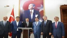 """Bakan Eroğlu: """"Baba oğluna böyle imkan vermez"""""""