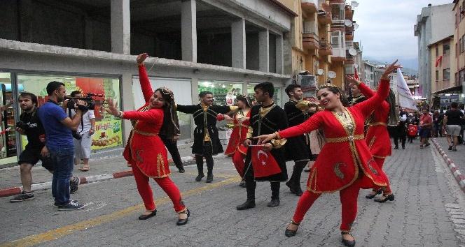 8 ülkenin ezgileri ve halk oyunları Artvin'de can buldu