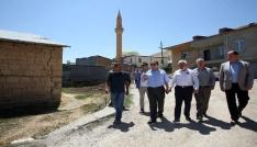 Vali Pehlivan, Kırkpınar Köyünde asfalt çalışmalarını inceledi