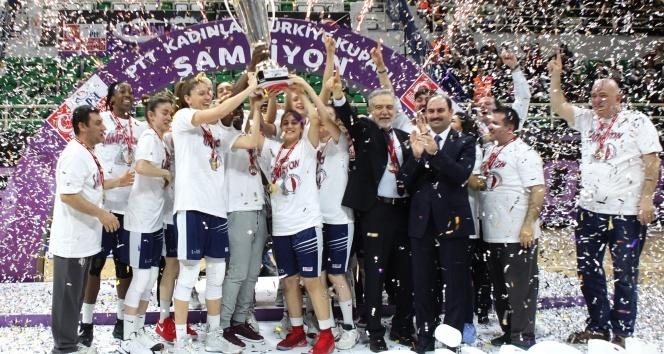 Uluslararası Dr. Suat Günsel Basketbol Kupası Avrupa'nın üst düzey 6 takımının katılımı ile Kuzey Kıbrıs'ta düzenleniyor