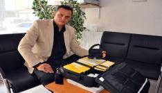 Sorgundaki güvenlikçiden Adanadaki muhtaç aileye işitme cihazı