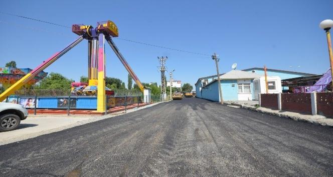 Iğdırda asfalt çalışmaları devam ediyor