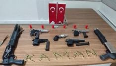 Kaman Emniyetinden düğünlere operasyon 5 silah 2 pompalı tüfeğe el konuldu