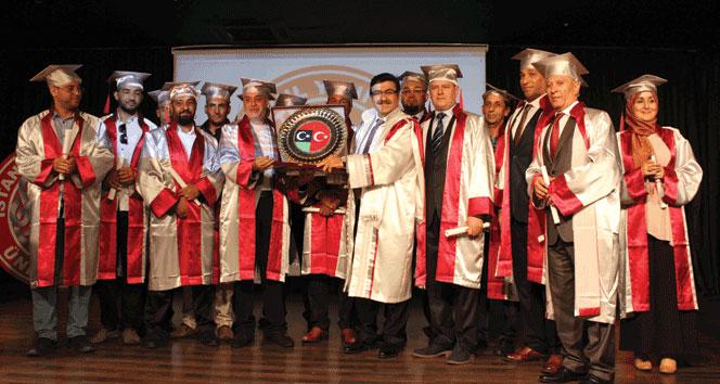 Libyalı öğrencilerin mezuniyet heyecanı