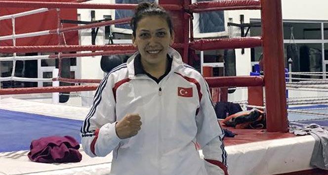 Milli boksör Elif Güneri finalde