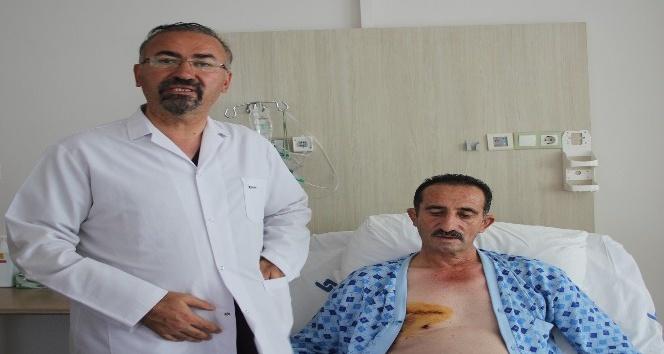 Lokman Hekim'de göğüs kemiği kesilmeden kalp kapak ameliyatı başarıyla gerçekleştiriliyor