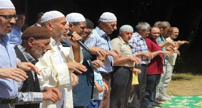 (Özel Haber) Bu köylüler 600 yıldır yağmur duasına çıkıyor