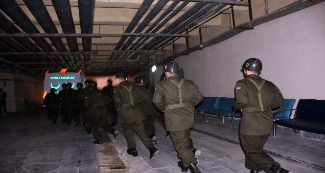 Batman'da askeri konvoyun geçişinde EYP patladı: 2 şehit
