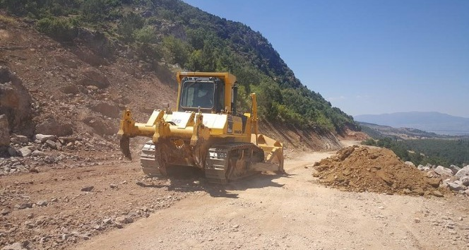 Simav'da yol genişletme ve asfaltlama çalışması