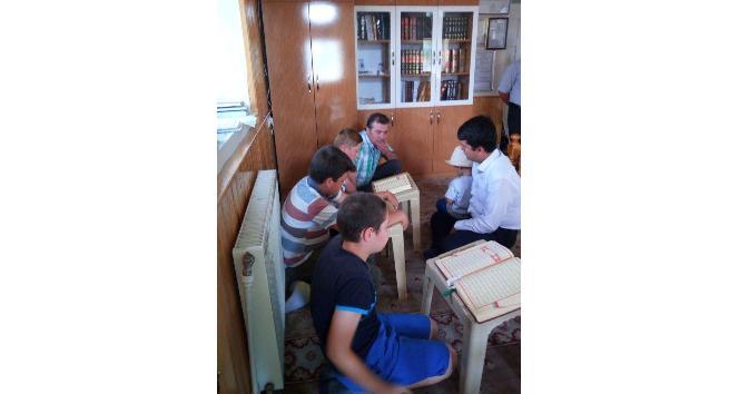 Kaymakam Cankaloğlu Kur'an kurslarını ziyaret etti