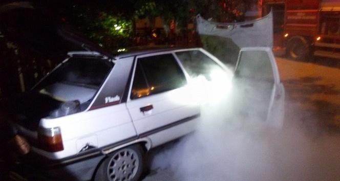 Dalaman'da park halindeki araç yandı