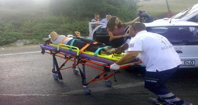 Otomobil ve minibüs birbirine girdi: 7 yaralı