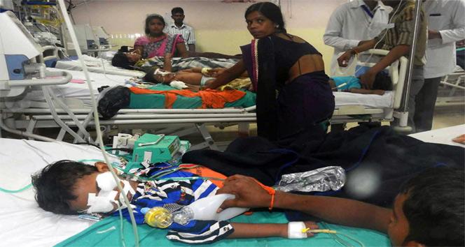 Hindistanda Hastanede oksijen yokluğundan 30 çocuk öldü iddiası