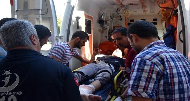 Kazada ayağı kopma aşamasına gelen genç ambulans uçakla sevk edildi