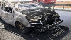 Motor bölümünde çıkan yangın aracı küle çevirdi