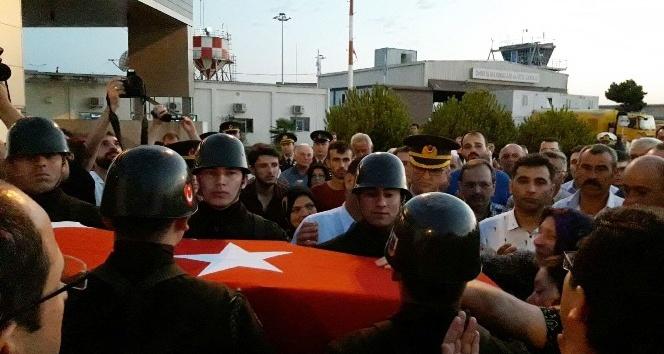 Samsunlu şehidin cenazesi Sinop Havaalanında törenle karşılandı