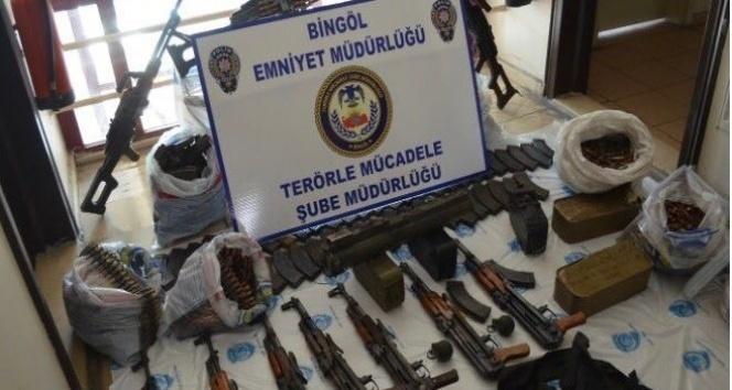 Bingölde DEAŞ operasyonu: Cephanelik gibi araç ele geçirildi