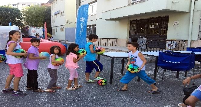 Küçükçekmece'de spor şenlikleri mahallelinin ayağına geldi