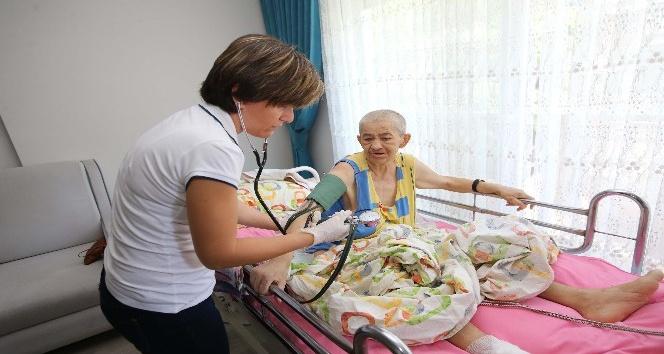 Karşıyaka'da sağlık evlere geliyor