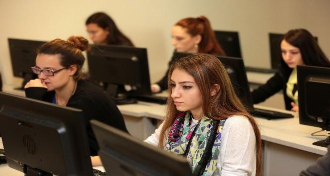 Yaşar Üniversitesi'nden yüksek lisans ve doktora fırsatı
