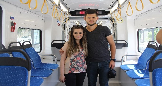 Vatmandan sevgilisine tramvayda evlilik teklifi
