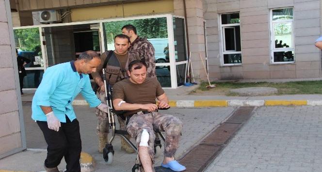 Yaralanan özel harekatçı ayağına dikiş attırıp yeniden operasyona gitti