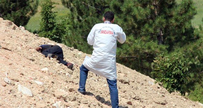 Konyada yol kenarında başından vurulmuş erkek cesedi bulundu