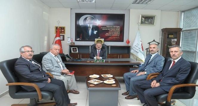 Vali Çakacak, Aile Sosyal Politikalar İl Müdürlüğü çalışmaları hakkında bilgilendirildi