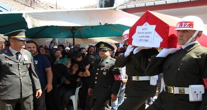 Şehit uzman onbaşı Samsun'da toprağa verildi