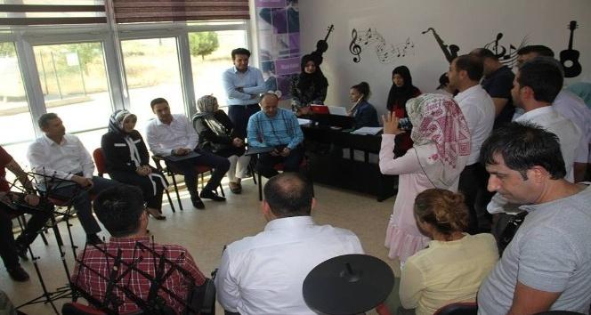 Kozluk'ta Şehit Öğretmen Şenay Aybuke Yalçın müzik atölyesi açıldı