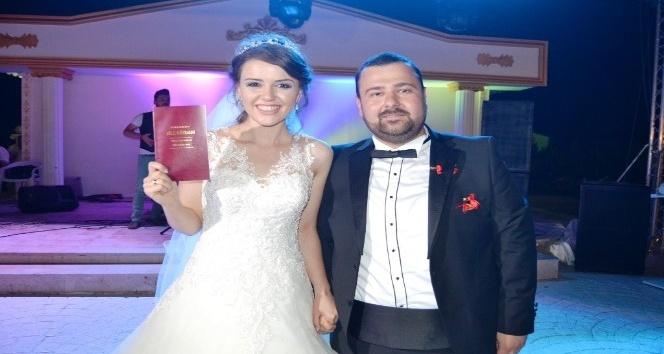 Kıtay çiftinin nikahını başkan kıydı, şahitleri milletvekilleri oldu