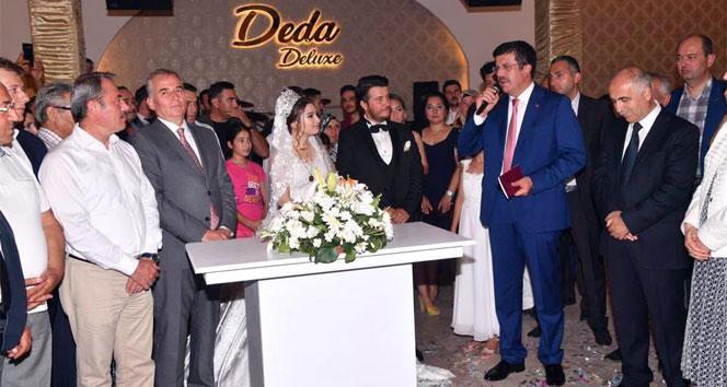 Bakan Zeybekci nikah şahidi oldu