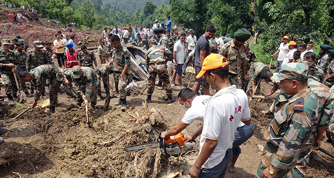Hindistanda toprak kayması: 46 ölü