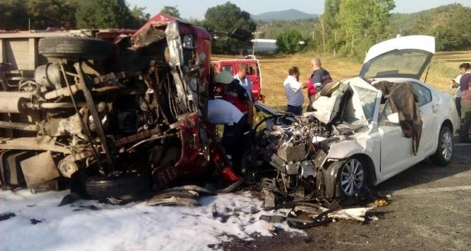 (Özel Haber) Sakarya'da katliam gibi kaza: 1 ölü, 9 yaralı