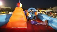 Pamukkalede çocuklar eğleniyor