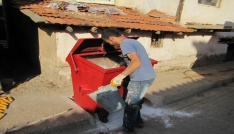 Hisarcıkta çöp konteynerleri temizleniyor