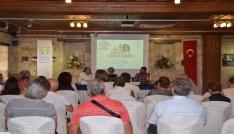 Kuşadasında Edebiyat ve Sinema İlişkisi konulu panel düzenlendi