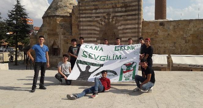 Liselilerden Kırşehir Belediyespora destek