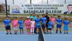 Başkan Bakıcı tenis turnuvasına katılan sporculara başarılar diledi