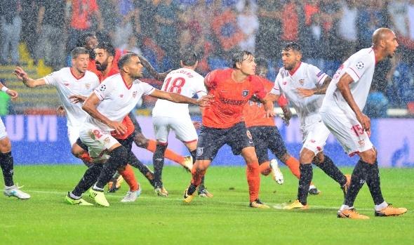 Başakşehir-Sevilla maçından kareler