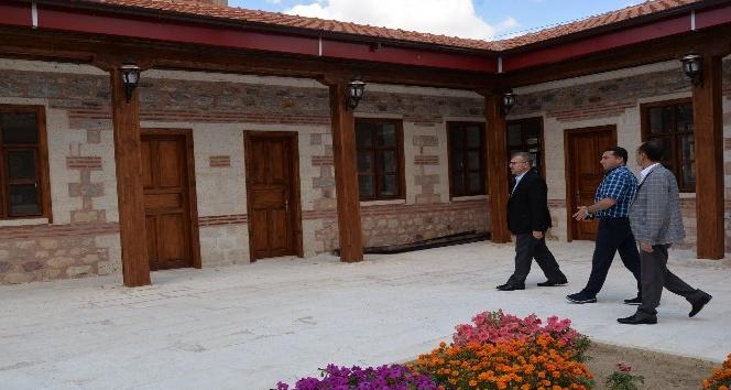 Milletvekili Eldemir Başkan Bakıcı ile birlikte Tekke Mahalle Camiinde incelemelerde bulundu