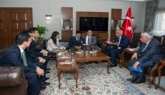 Büyükelçi Cho Yun-soo, Kore gazileri için Vanda