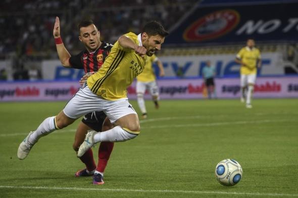 Vardar Fenerbahçe maçından kareler