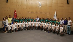 Gaziemirin halk oyunları ekibi Türkiye ikincisi oldu