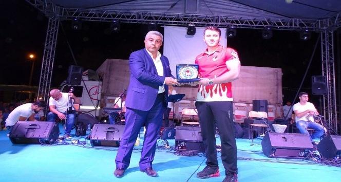 Hisarcık Belediyesinden milli sporcuya destek