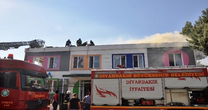 Diyarbakırda rehabilitasyon merkezinde çıkan yangın korkuttu